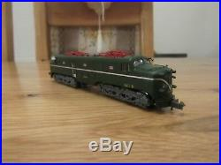 Arnold hn2343s electric loco renfe 277.048 verde y plata dr epoca 1v dcc sound