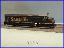 Athearn N Scale EMD F45 Santa Fe Unit #5921 Freight Y&B DCC & Sound ATH15173