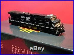Broadway Limited # 3540 GE ES44AC withSound & DCC Norfolk Southern # 8128 N MIB