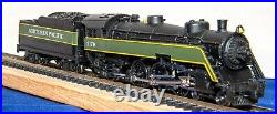Model Power N Scale NP 4-6-2 SemiStreamliner locomotive with DCC / Sound-Used