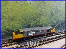 N Gauge Farish Class 37 No. 37506 in BR Railfreight livery. DCC SOUND