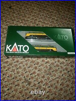 N Scale Kato F3 AA Locomotive Set Chicago and North Western DCC With Sound