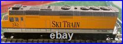 N Scale Kato F40PH Rio Grande Ski Train #242 with DCC and Sound